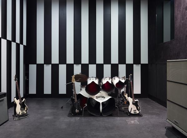 Studio Deewee - Imgur-3
